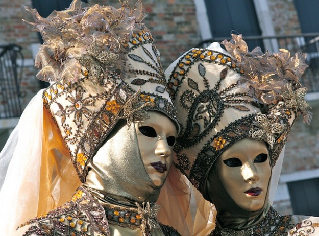 costume-3157451_640
